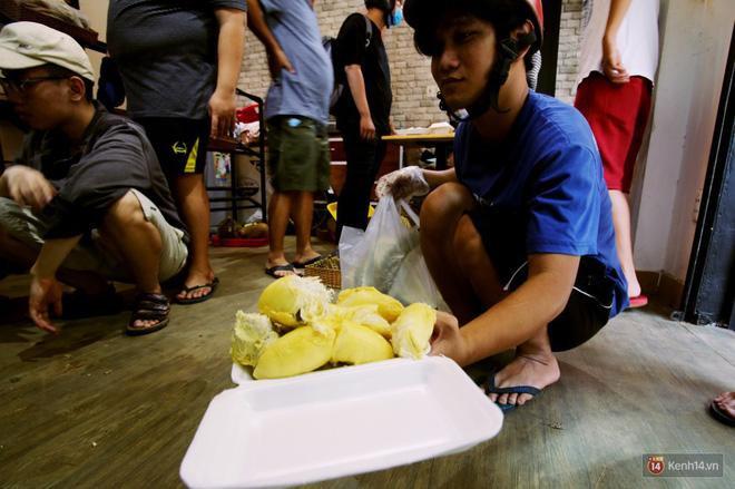 Mốt ăn sầu riêng hot nhất hiện nay: ăn xong trả hạt và đây là những địa chỉ hiếm hoi ở Sài Gòn dành cho bạn ảnh 14