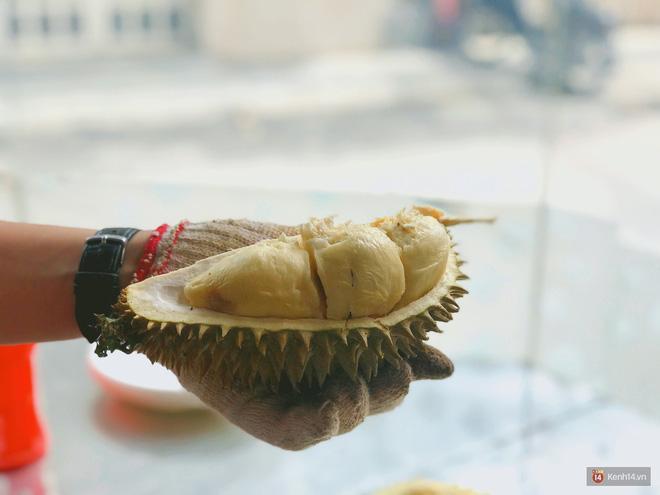 Mốt ăn sầu riêng hot nhất hiện nay: ăn xong trả hạt và đây là những địa chỉ hiếm hoi ở Sài Gòn dành cho bạn ảnh 4