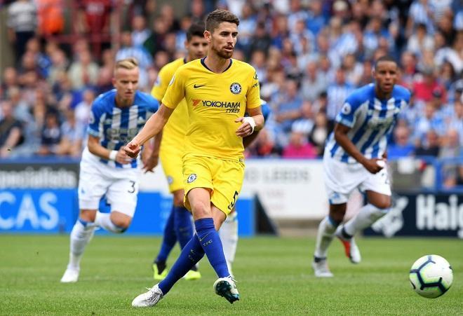Jorginho thực hiện thành công quả phạt đền nhân đôi cách biệt trận đấu. Ảnh: Chelseafc.com.