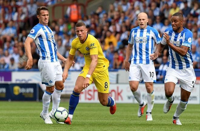 Chelsea gặp khó khăn trong những phút đầu trận đấu trước Huddersfield. Ảnh: Chelseafc.com.