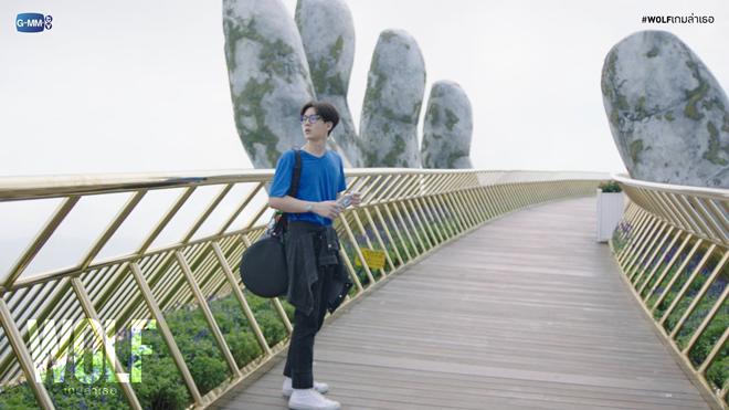 Cầu Vàng với bàn tay khổng lồ tại Đà Nẵng xuất hiện cùng loạt ảnh quảng bá đầu tiên của Wolf. Still cut đã chất thế này thì lên phim Thái sẽ đẹp thế nào nhỉ?