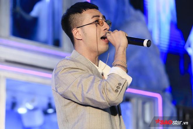 Nhà sản xuất/nhạc sĩ Only C cũng là những nghệ sĩ đặc biệt có mặt trong chương trình.