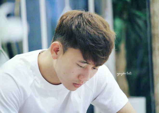 Thời niên thiếu, Minh Vương từng mắc bệnh hiếm gặp.