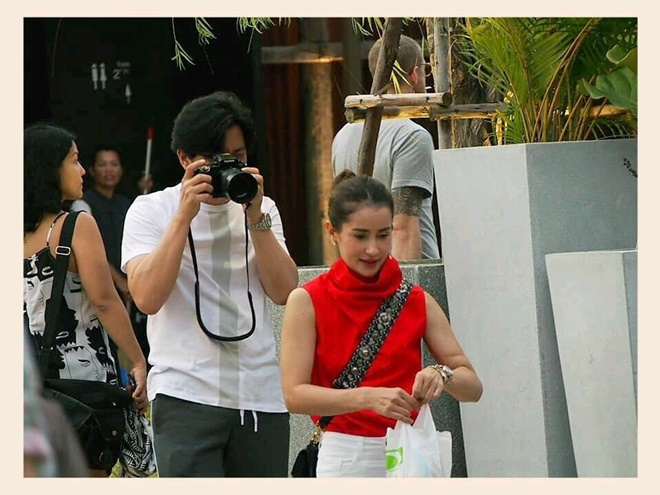 Có một chàng trai luôn mang theo máy ảnh bên mình để chụp lại những khoảnh khắc đẹp nhất, tự nhiên nhất của người con gái anh yêu thương.