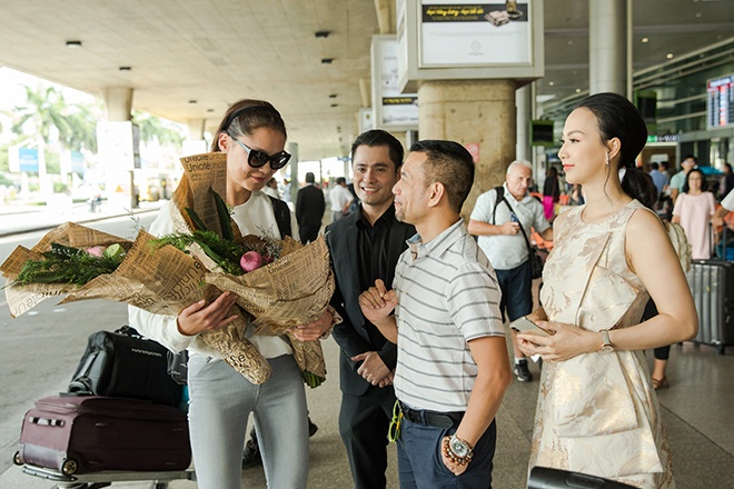 Khách mời VIP của đêm chung kết Hoa hậu Việt Nam dành nhiều lời khen về ẩm thực và danh lam thắng cảnh Việt. Vì thế, ngay khi có lời mời thăm dãi đất hình chữ S, cô không suy nghĩ nhiều mà nhận lời ngay.