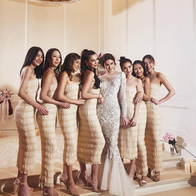 Cư dân mạng Thái Lan cũng như Việt Nam thêm một lần nữa phát sốt vì vẻ đẹp rạng ngời của hội bạn thân cực phẩm.