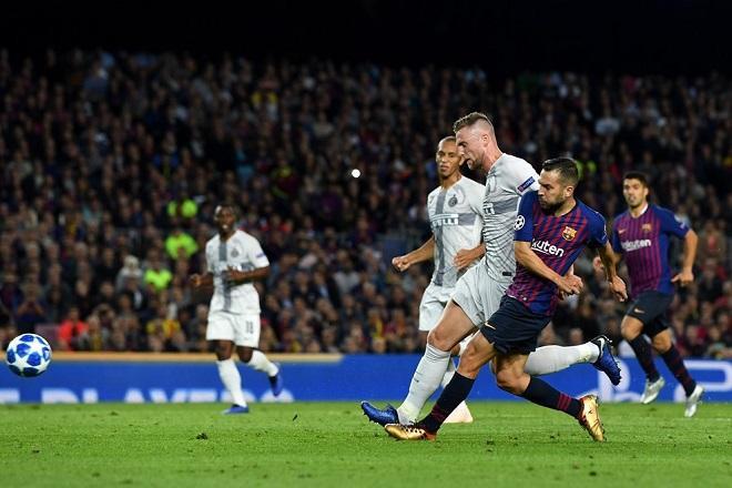 Jordi Alba ghi bàn thắng nâng tỉ số lên 2-0 qua đó định đoạt số phận trận đấu.