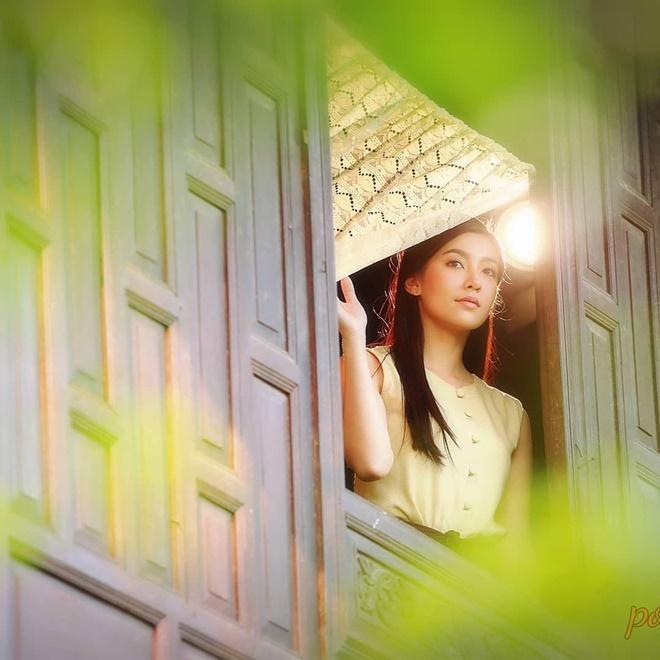 Không chỉ mỗi Mai Davika, màn ảnh Thái còn có những ma nữ cực phẩm, đẹp chết người này ảnh 34