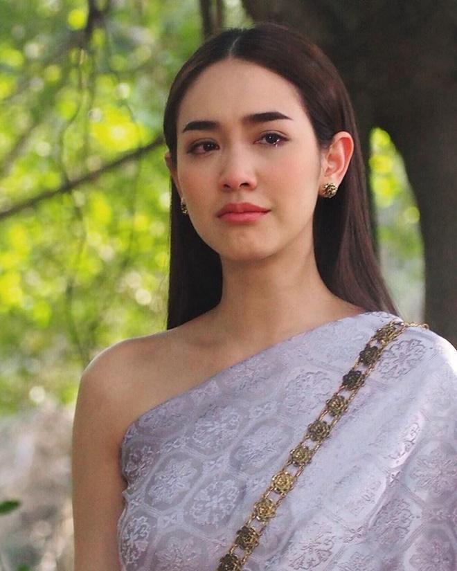 Không chỉ mỗi Mai Davika, màn ảnh Thái còn có những ma nữ cực phẩm, đẹp chết người này ảnh 4