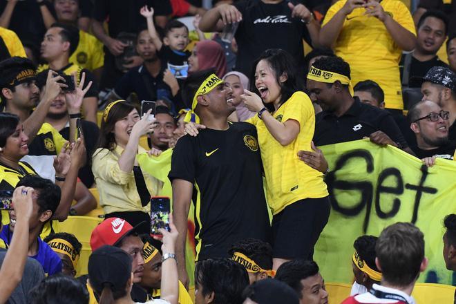 Sự cuồng nhiệt trên sân Bukit Jalil sẽ mang đến nhiều nỗi lo cho Việt Nam.