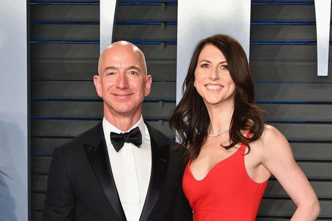 Chỉ cần 25% số cổ phần của hai vợ chồng ở Amazon, bà MacKenzie đã trở thành người phụ nữ giàu thứ 3 thế giới. Ảnh: Getty.