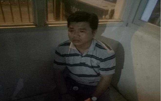 Công an phường 5 đã có mặt đưa Hùng về trụ sở để làm việc.