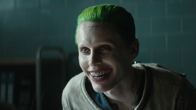 Nhân vật Joker của Jared Leto tuy chỉ góp 1 phần nhỏ trong bộ phim thế nhưng lại để lại dấu ấn mạnh mẽ khiến đạo diễn David Ayer hối hận vì đã không sắp xếp nhiều đất diễn hơn nữa cho The Joker.