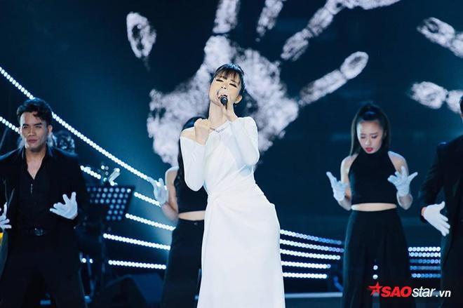 Nữ ca sĩ đã khiến cho không khí Lễ trao giải trở nên bùng nổ hơn bao giờ hết.