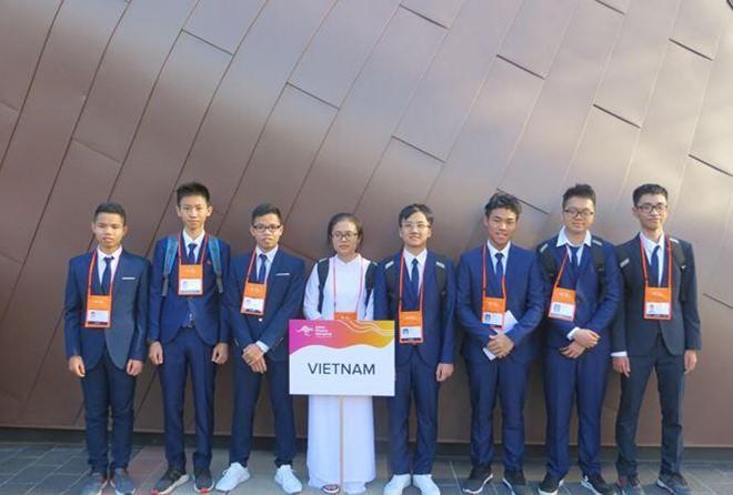 Đoàn học sinh Việt Nam giành 7 huy chương Olympic Vật lý Châu Á. Ảnh: Bộ GD&ĐT.
