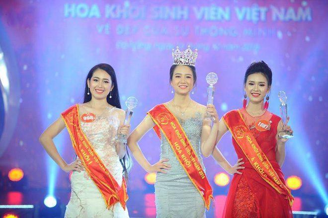 Sau đó, cô đại diện các nữ sinh xứ Nghệ tham dự cuộc thi Hoa khôi sinh viên Việt Nam 2018 và giành ngôi vị Á quân.