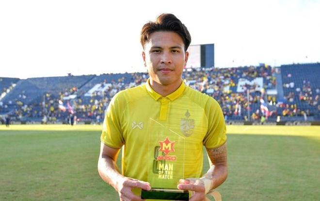Tiền vệ Thái Lan Thitipan Puangchan không hề nhận giải Cầu thủ xuất sắc nhất King's Cup 2019.