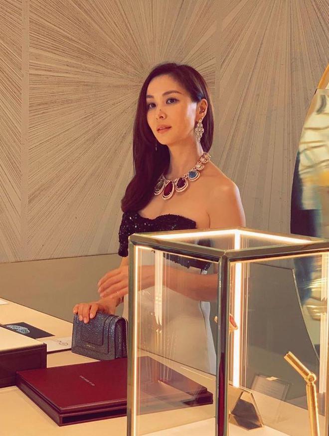 Nhan sắc xinh đẹp và thần thái sang chảnh của Go So Young khiến nhiều người phải ngưỡng mộ