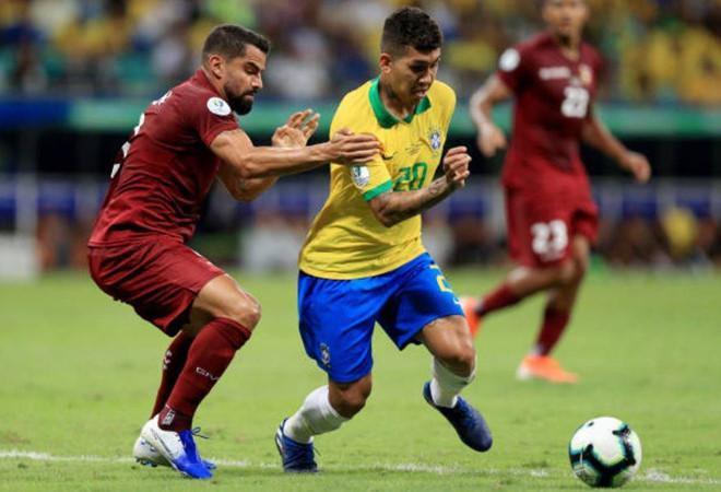 Không một lần thành công, Brazil đành nhận trận hoà đầu tiên.