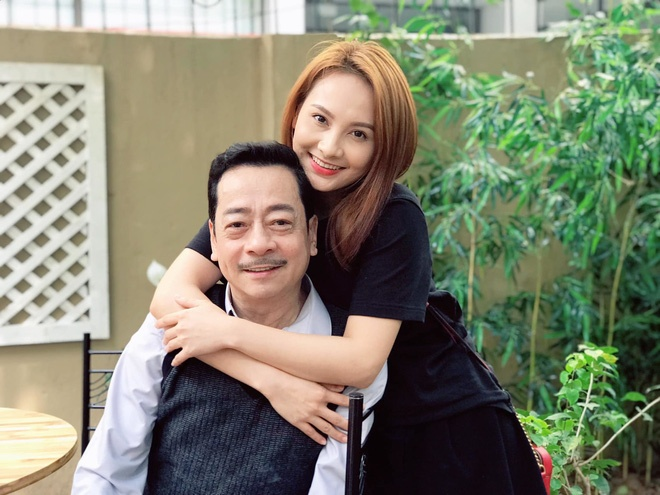 NSND Hoàng Dũng và nữ diễn viên Bảo Thanh