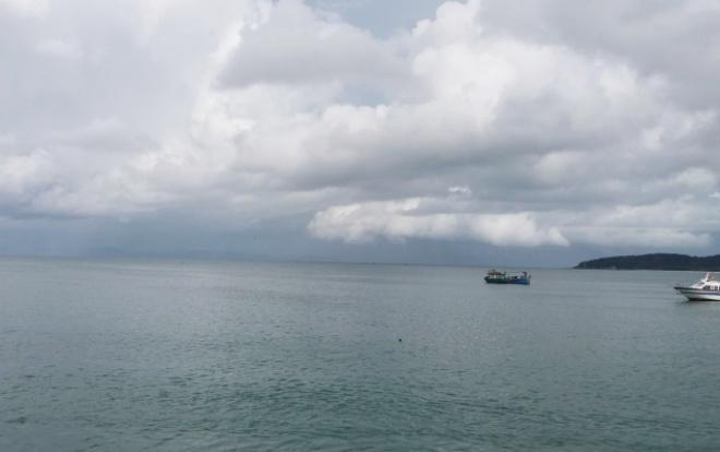 Một góc bãi biển Cô Tô.