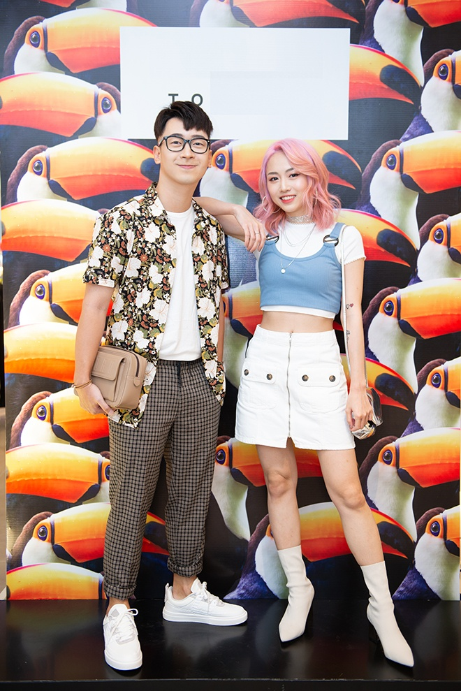 Food blogger đình đám Ninh Tito bảnh bao cùng hotgirl Chi Hàn trong style đậm chất mùa hè.