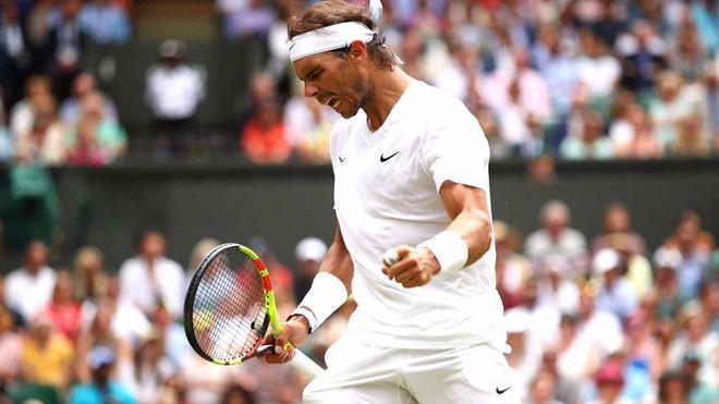Thì Nadal cũng phải mất gần 2 giờ đồng hồ mới kết thúc được trận tứ kết với tay vợt cao gần 2 m người Mỹ Sam Querrey.