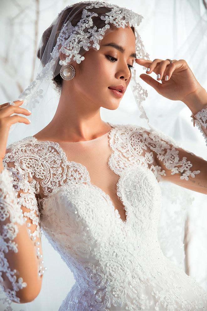 Vẻ đẹp cổ điển luôn được các nàng dâu chọn lựa cho ngày trọng đại