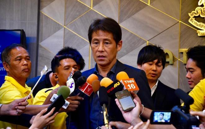 Như vậy, Liên đoàn Bóng đá Thái Lan (FAT) cùng HLV Nishino cuối cùng cũng tìm được tiếng nói chung.