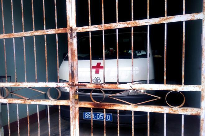 Chiếc xe cứu thương mà tài xế Hòa đã đưa vào đăng kiểm khi đang chuyển bệnh nhân. Ảnh: báo Zing