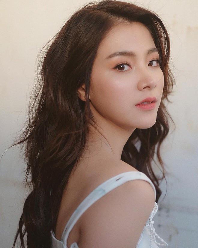 Nàng Gink xinh đẹp trong 'Friendzone' Baifern Pimchanok sẽ đến Việt Nam vào cuối tháng 7 này.