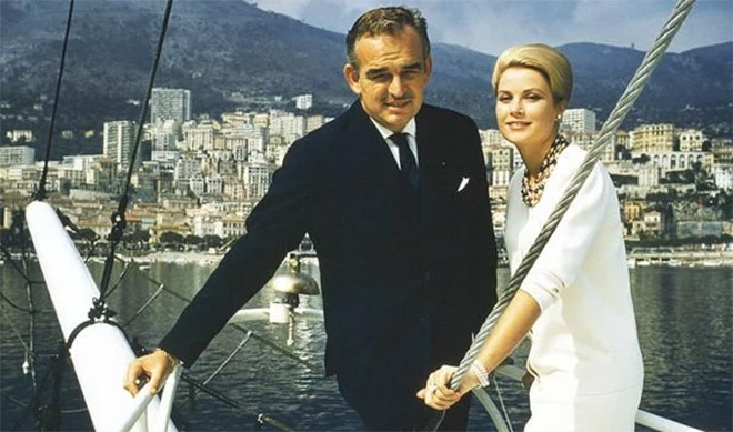Grace Kelly đã yêu say đắm vị hoàng tử hào hoa của Công quốc Monaco.