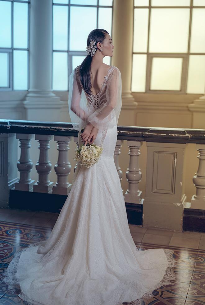 Một mẫu đầm cưới khoe đường cong hoàn hảo