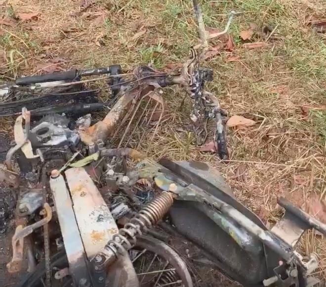 Chiếc xe máy bị cháy