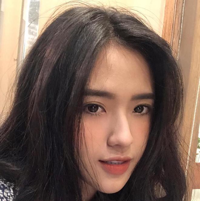 Ngoài Tân Hoa hậu Lương Thùy Linh, THPT Chuyên Cao Bằng còn là nơi đào tạo những 'hotgirl' làm chao đảo cộng đồng mạng ảnh 6