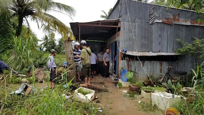 10 cán bộ ở huyện Cái Nước (Cà Mau) bị hất xăng, châm lửa đốt khi cưỡng chế thi hành án. Ảnh: Công an nhân dân