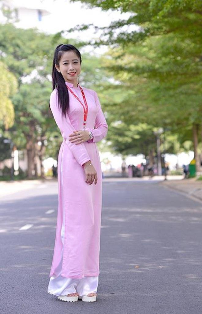 Châu Tuyết Vân là một vận động viên Taekwondo Việt Nam. Cô là thành viên đội tuyển Taekwondo Việt Nam, với thành tích 5 Huy chương Vàng (liên tiếp) ở Giải vô địch thế giới, 2 Huy chương Vàng (liên tiếp) giải châu Á và 1 Huy chương Vàng Đông Nam Á ở nội dung quyền thuật đồng diễn. Cô là sinh viên khoa Quản trị nhà hàng, khách sạn tại Đại học Tôn Đức Thắng (TP Hồ Chí Minh). Cô dự tính sẽ thi đấu đến hết Asiad 2019, được tổ chức tại Việt Nam, trước khi từ giã sự nghiệp thi đấu.