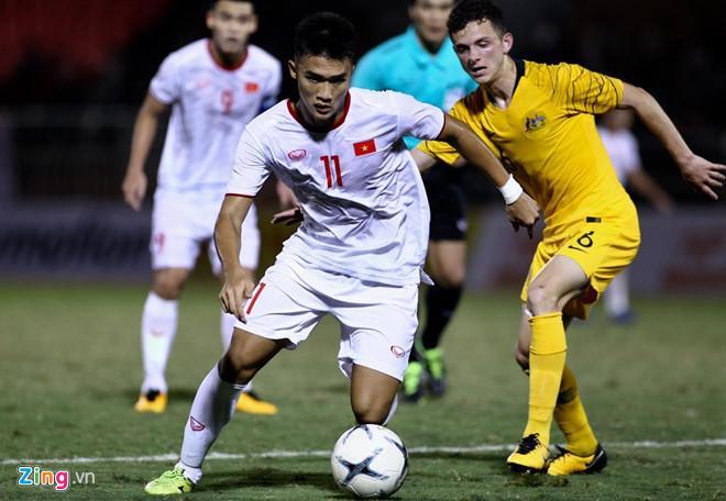 Rất cố gắng nhưng U18 Việt Nam chỉ có được 1 bàn danh dự do công của Nguyên Hoàng. ( Ảnh: Zing.vn)