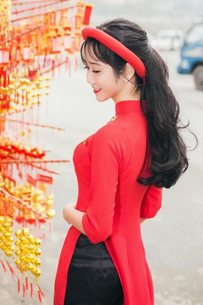 """Những khoảnh khắc xinh xắn được nữ sinh Lào Cai đưa lên trang cá nhân nhận nhiều lượt """"thả tim"""" từ dân mạng."""