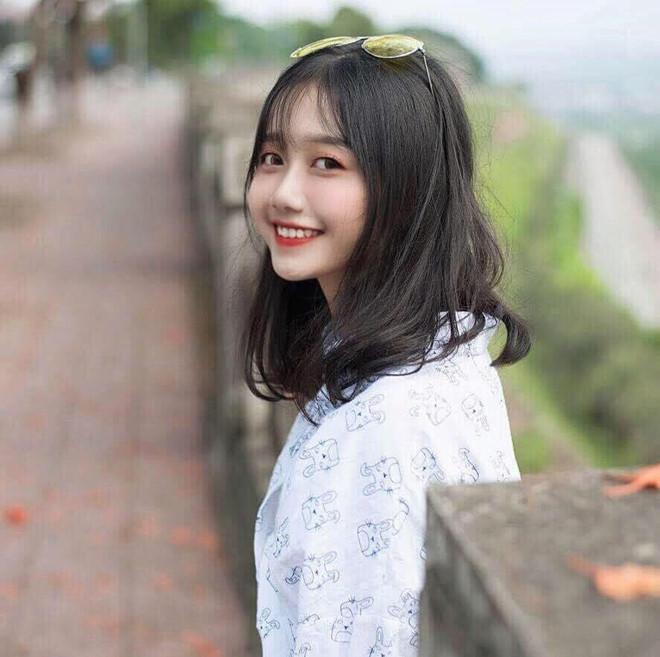 Từ năm lớp 11, Đặng Phương Thảo thường làm mẫu ảnh cho một số cửa hàng thời trang ở Lào Cai. 10X nói công việc này vừa đem lại niềm vui, vừa giúp cô có thêm thu nhập.