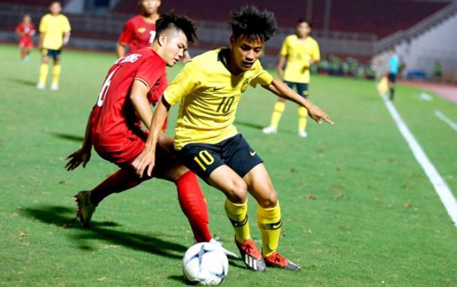 Không đá để học hỏi U18 Việt Nam, Malaysia đè bẹp Australia.