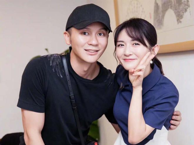 Hình ảnh mới nhất của Lý Thần bên cạnh Tạ Na.