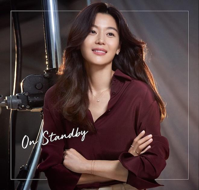 Mợ chảnh Jeon Ji Hyun tựa nữ thần, hút hồn trong bộ ảnh đẹp lung linh ảnh 2