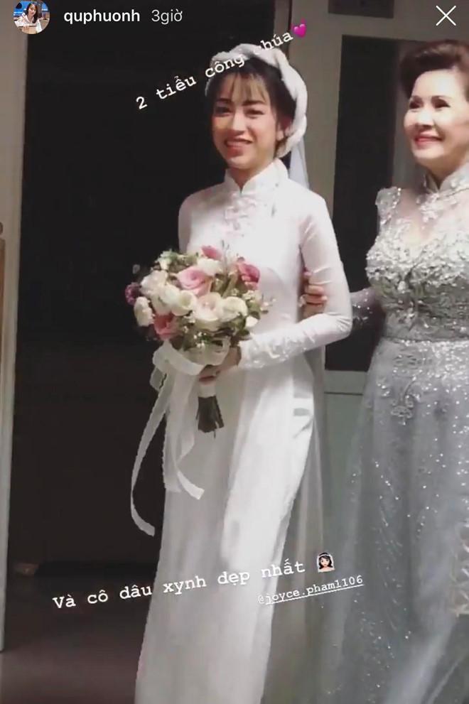 """Quà cưới của cô dâu toàn vàng và nhẫn kim cương đeo """"mỏi tay""""."""
