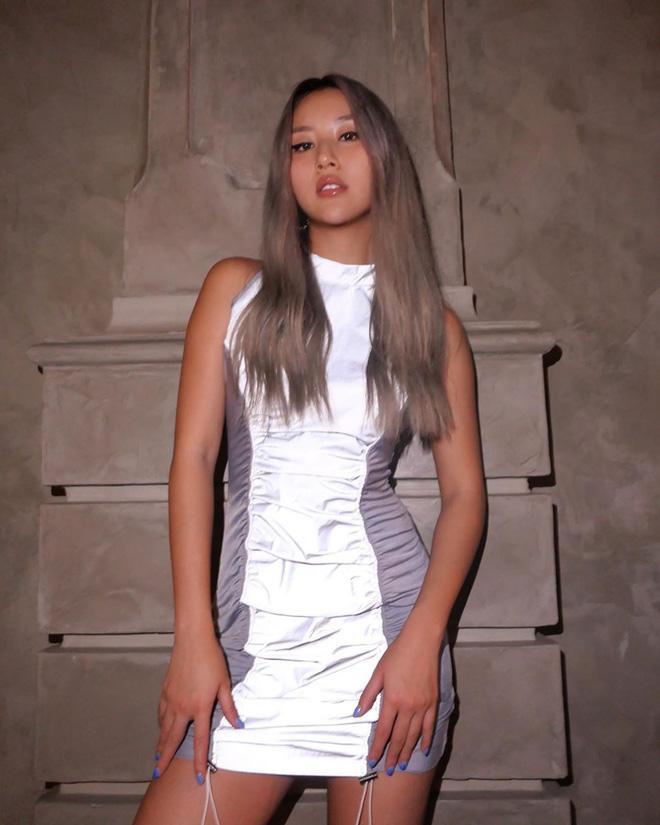 Ai như Quỳnh Anh Shyn, cứ quần quật đổi màu tóc độc lạ khiến fan liên tục mắt tròn mắt dẹt ảnh 2