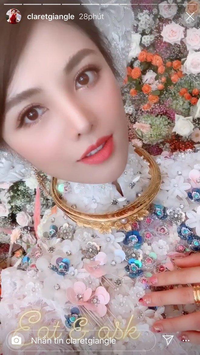 Cô dâu đeo đầy vàng trong ngày đám hỏi