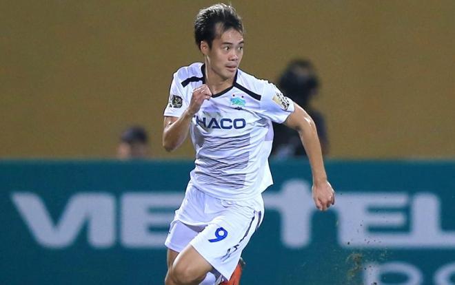 Văn Toàn bức tốc như Mbappe, vượt mặt thủ môn ghi bàn cho HAGL