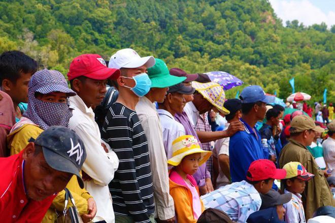Có gì bên trong Hội đua bò Bảy Núi khiến 2 vạn người đội nắng đến xem? ảnh 9