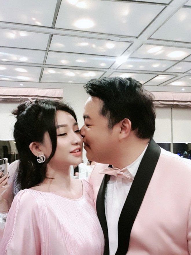 Không ai khác, đó chính là vợ cũ của nam ca sĩ Hồ Quang Hiếu.