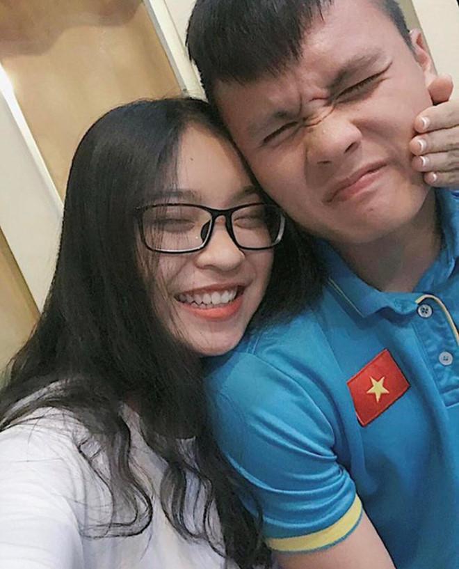 Hy vọng sắp tới, người hâm mộ sẽ nhận được tin vui của Quang Hải và bạn gái Nhật Lê.